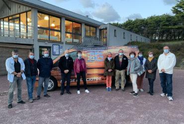 Mini-bus de l'O.S.L.C.: les commerçants et entreprises des Pieux au cœur du projet